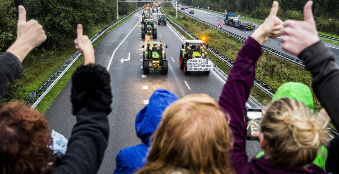 Protesterende boeren blokkeren A28